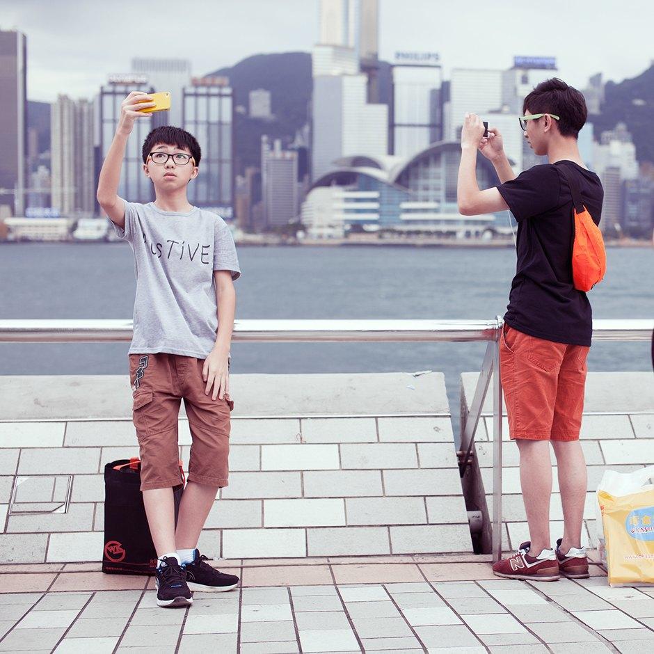 «Self Promenade»: Любители селфи в Гонконге. Изображение № 21.