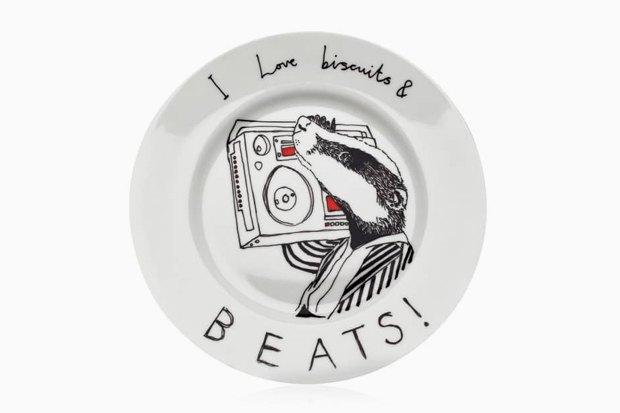 Обаятельная посуда с ироничными зверюгами. Изображение № 8.
