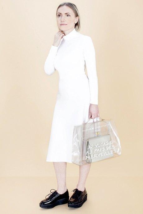 Женщины старше 50 примеряют модные образы. Изображение № 26.