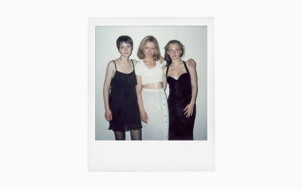 Вспомнить всё:  Девушки о своих  выпускных платьях. Изображение № 2.