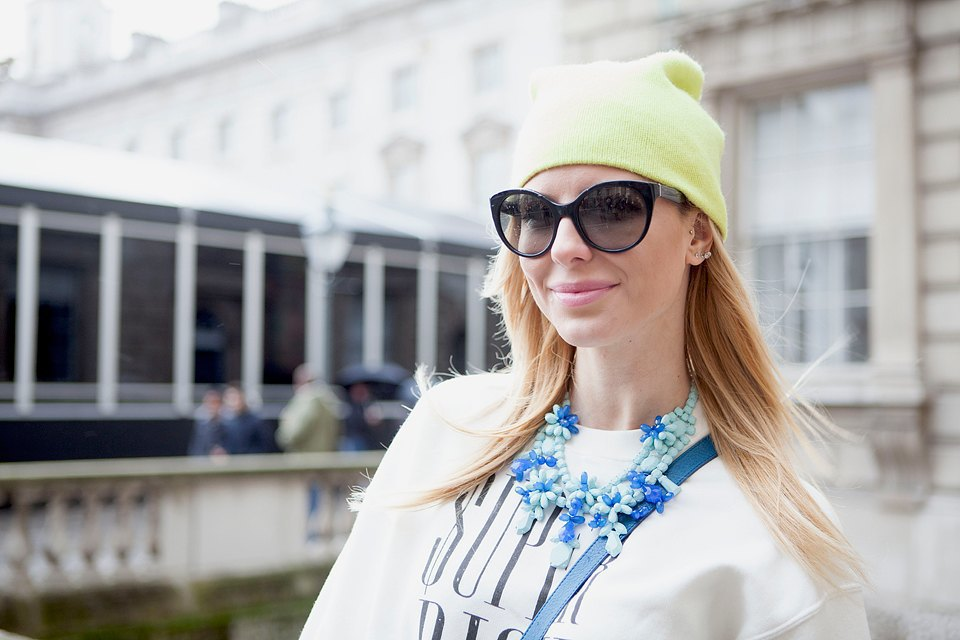Стритстайл:  Что носят гости London Fashion Week. Изображение № 10.