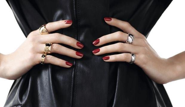 Ювелирные изделия Chanel будут продаваться  на Net-A-Porter. Изображение № 1.