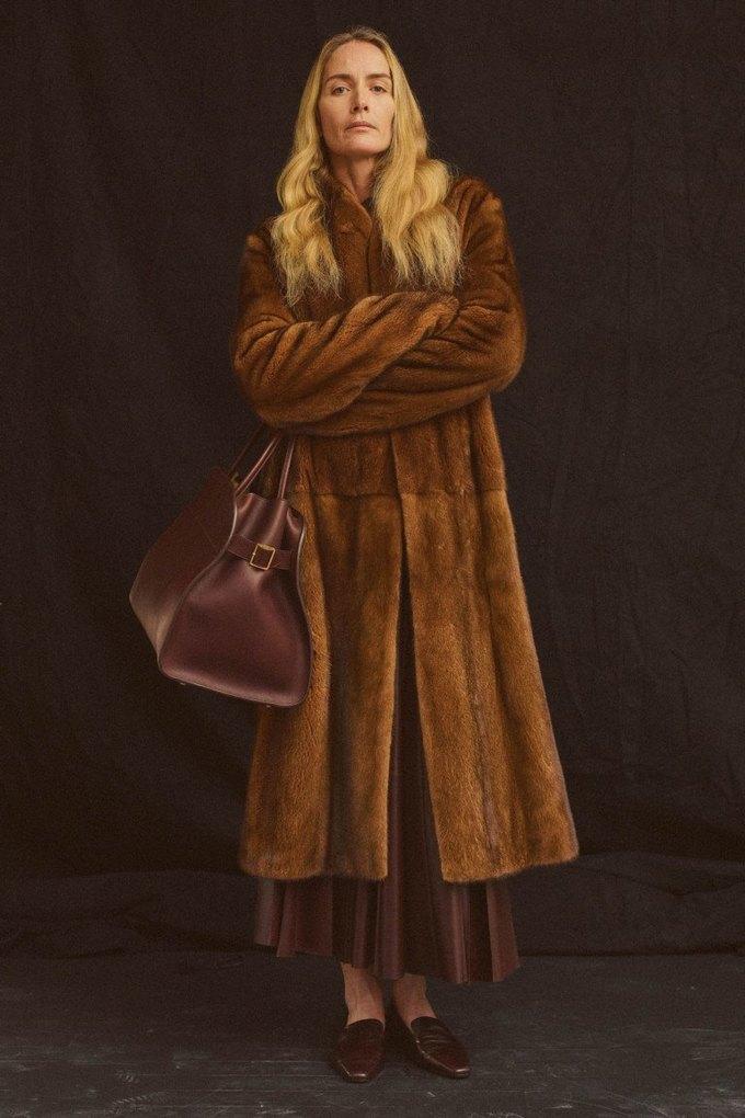 The Row показали лукбук  c 42-летней Джорджиной Гренвилл. Изображение № 11.