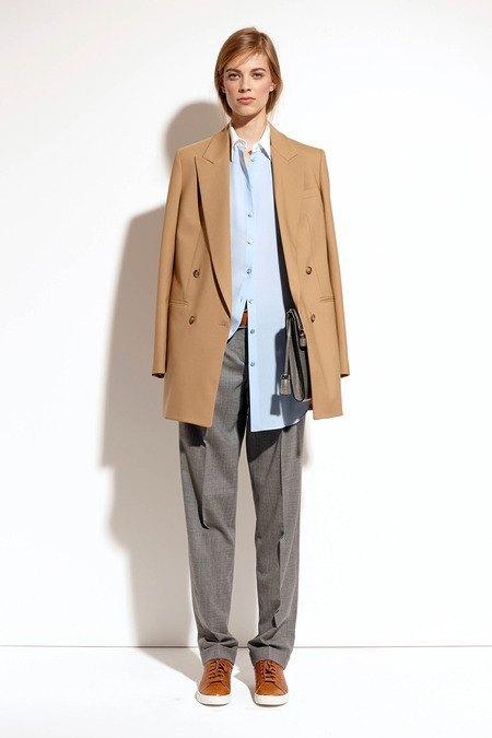 Пальто и костюмы в лукбуке новой коллекции Michael Kors. Изображение № 35.