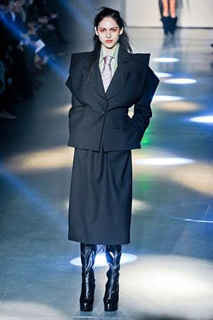 Vivienne Westwood FW 2012. Изображение № 32.