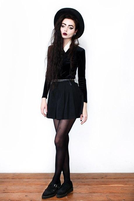 Фотограф Виолетт Эль о любимых нарядах. Изображение № 7.