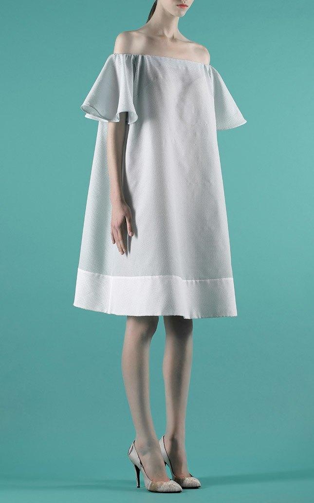 Шелковые пальто и платья с фламинго в новом лукбуке Vika Gazinskaya. Изображение № 2.