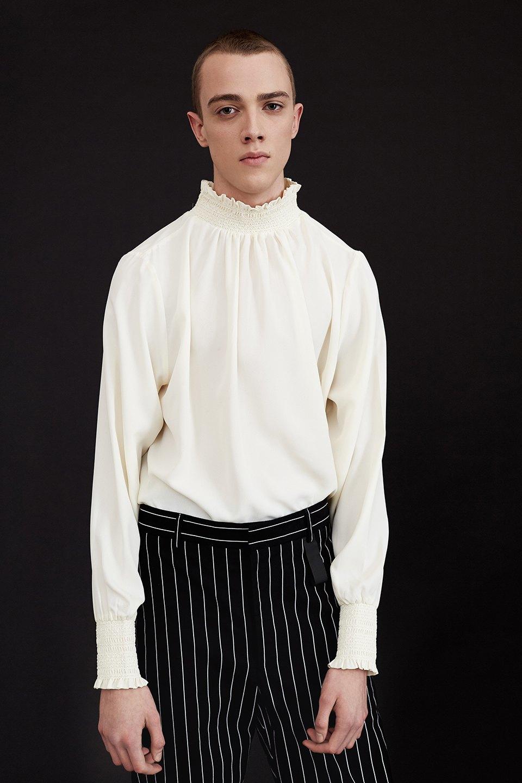 Нежный возраст:  Блузы и рубашки  с высоким воротом. Изображение № 6.