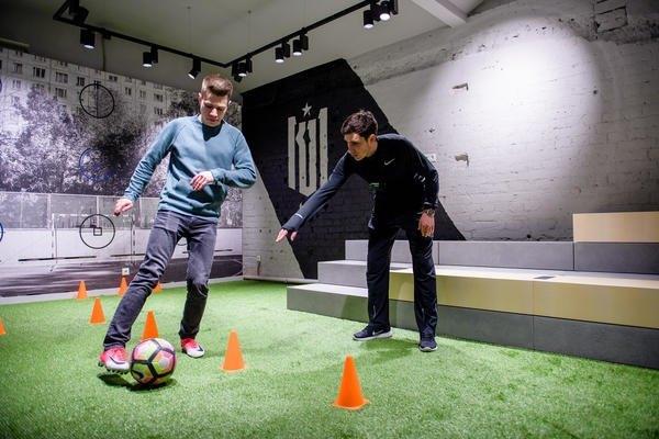 В Москве открылся пятиэтажный магазин Nike. Изображение № 2.