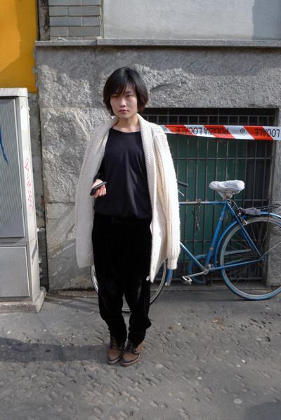 Изображение 30. Milan Fashion Week: день третий – луки.. Изображение № 13.