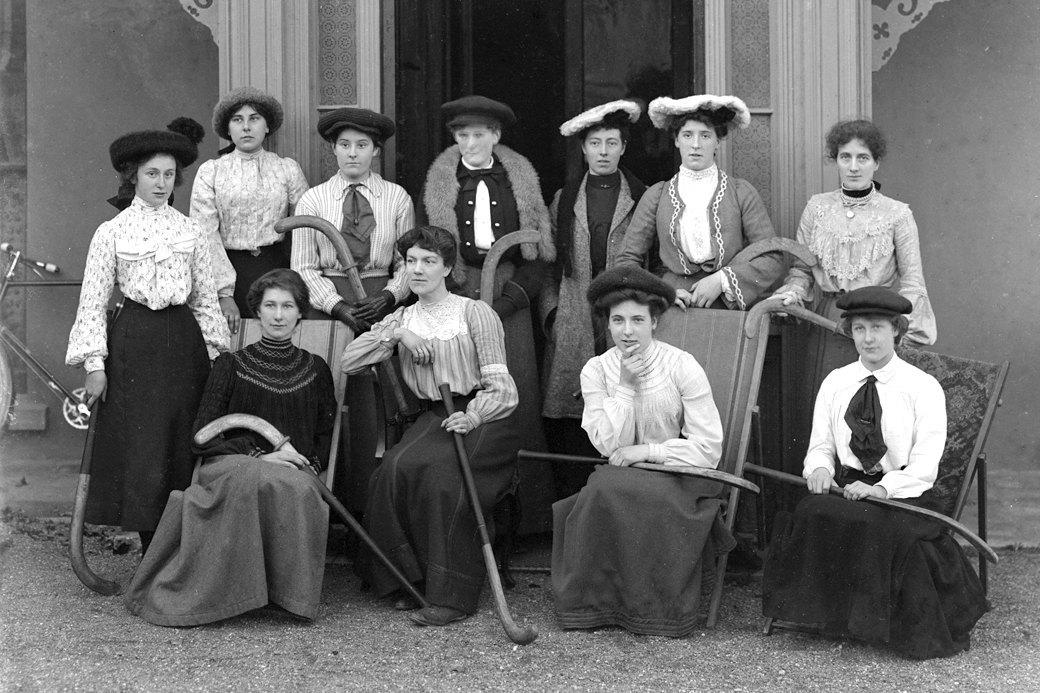Спортивная форма  для женщин:  От эмансипации  к объективации. Изображение № 1.