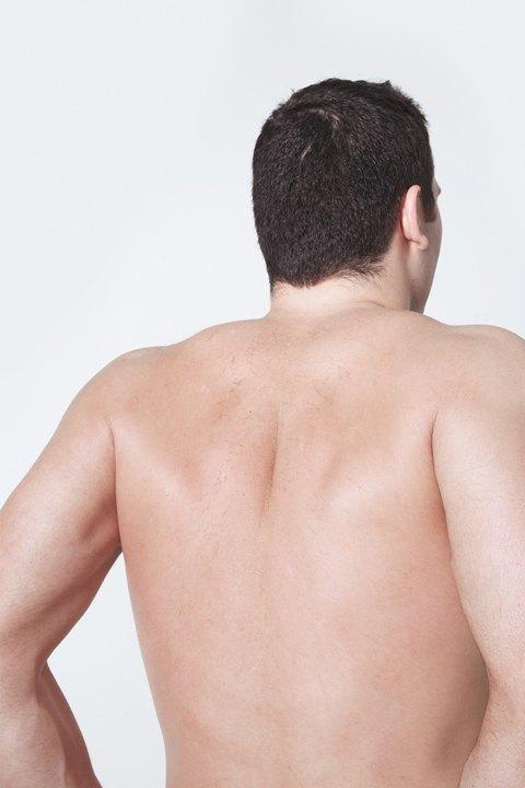 Голые и серьёзные:  Мужчины об отношении  к своему телу. Изображение № 28.