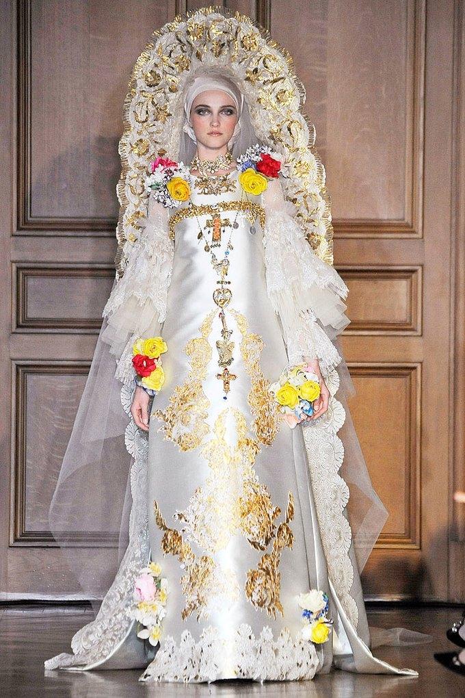 Christian Lacroix Couture FW 2009. Изображение № 5.