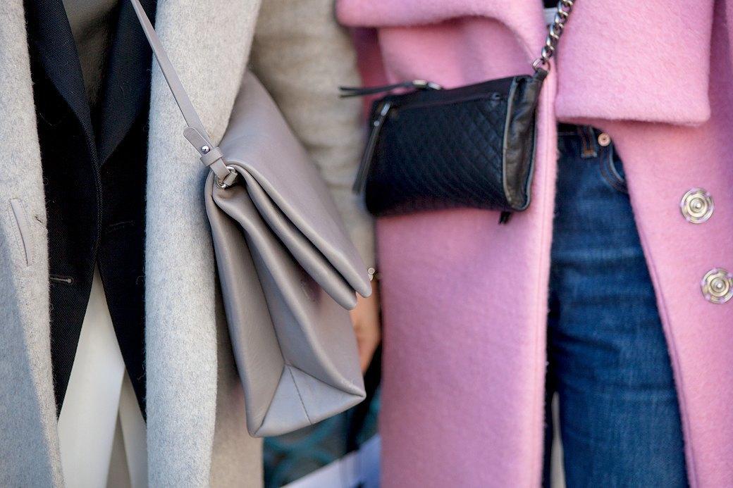 Стритстайл:  Что носят гости  London Fashion Week. Изображение № 20.