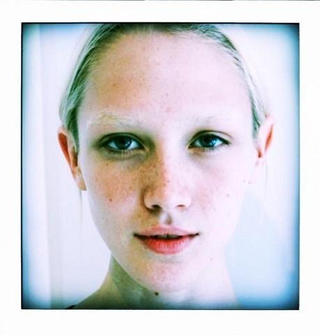 Новые лица: Кейтлин Ломакс. Изображение № 24.