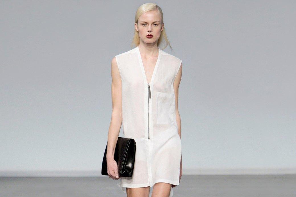 Пришел, увидел, купил:  Модные показы становятся ближе к людям. Изображение № 1.
