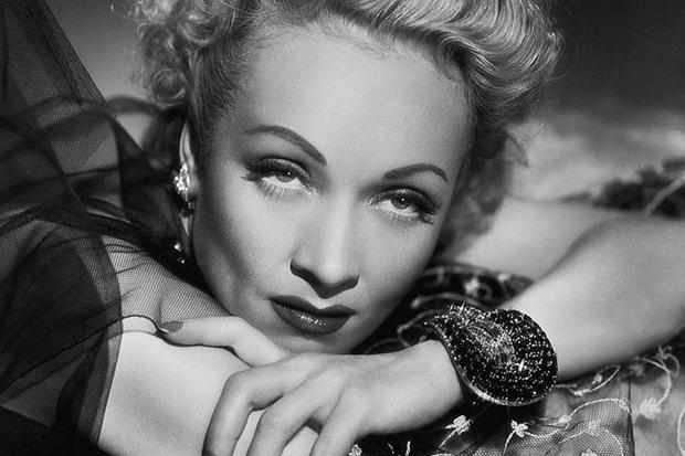 Сто лет макияжа: Чем повторить мейкап разных десятилетий. Изображение № 11.