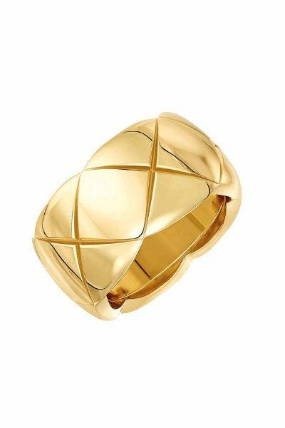 Ювелирные изделия Chanel будут продаваться  на Net-A-Porter. Изображение № 8.