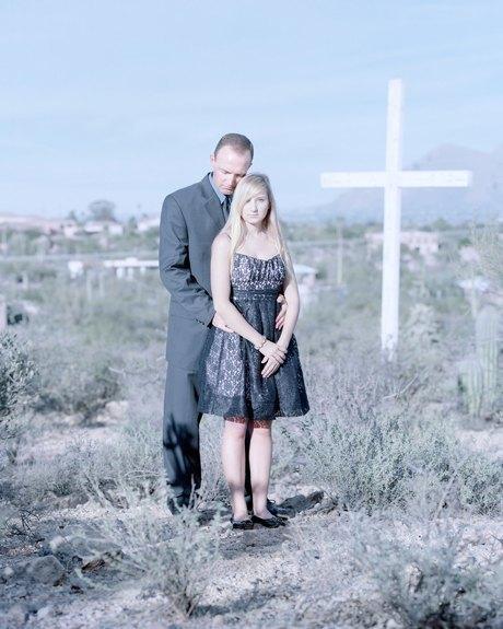 «Бал невинности»:  Дочери дают обет верности отцам. Изображение № 7.