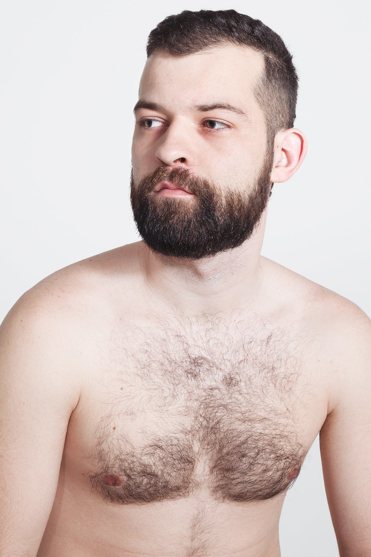 Голые и серьёзные:  Мужчины об отношении  к своему телу. Изображение № 5.