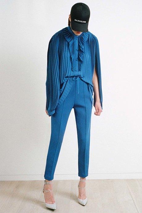 Как одеться в стиле 80-х: 10 актуальных образов. Изображение № 19.