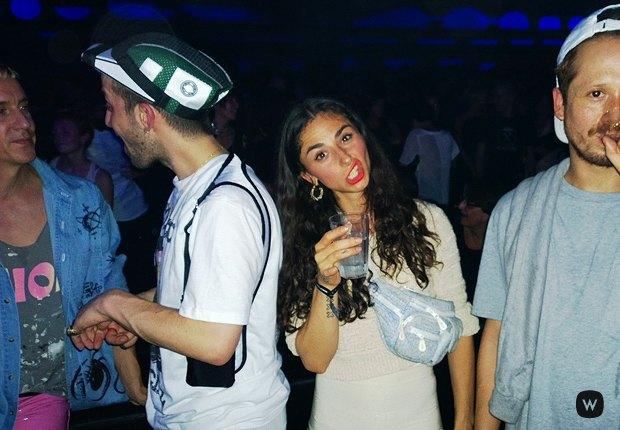 Что происходит  на вечеринках парижской Недели моды. Изображение № 4.