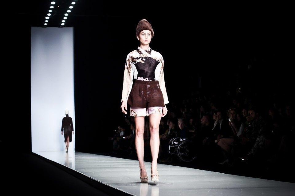 Репортаж: Летние платья  и меховые шапки Ruban FW13. Изображение № 26.