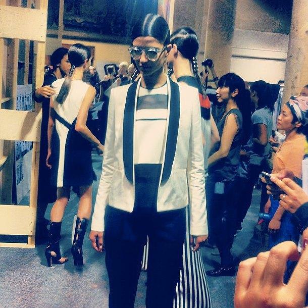 Главные показы  первого дня Paris Fashion Week. Изображение № 5.