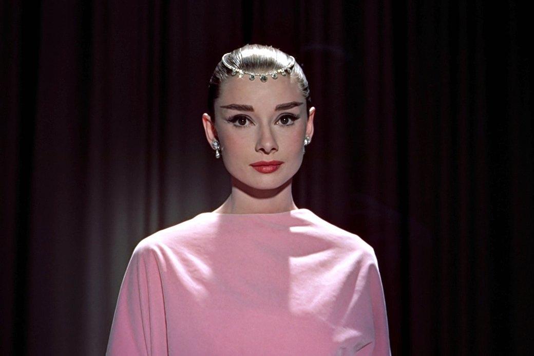 Хороший тон: Как менялись стандарты офисного макияжа. Изображение № 4.