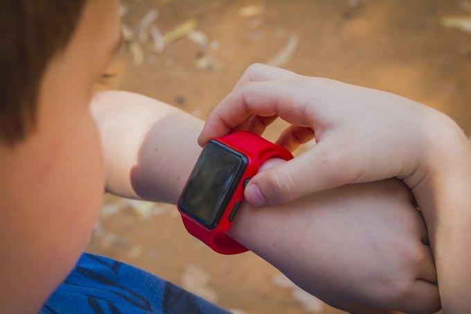 В Германии детям запретили носить «умные» часы. Изображение № 1.