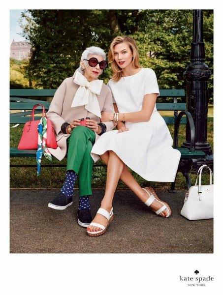 Айрис Апфель и Карли Клосс снялись в рекламной кампании Kate Spade. Изображение № 1.