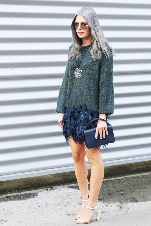 Кимоно, перья и сэтчелы на гостях показов Paris Fashion Week. Изображение № 10.