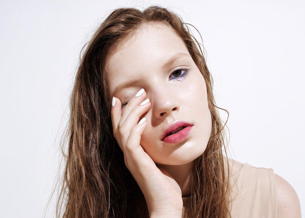 8 вариантов макияжа  с наклейками. Изображение № 3.