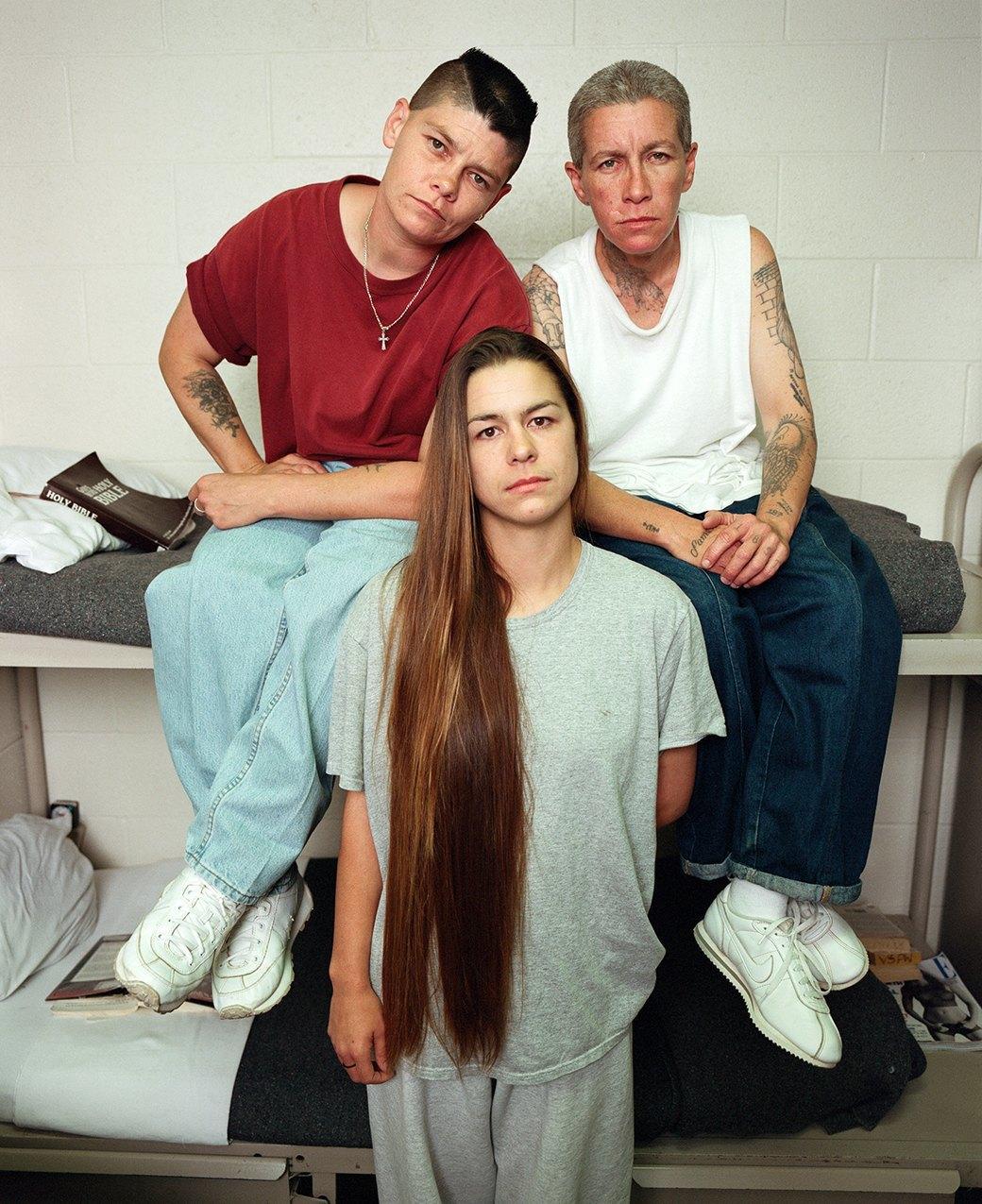 Развлечение девушек в тюрьме фото 350-74