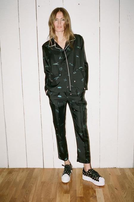 Пижамы, комбинации и халаты в новой коллекции Walk of Shame. Изображение № 20.
