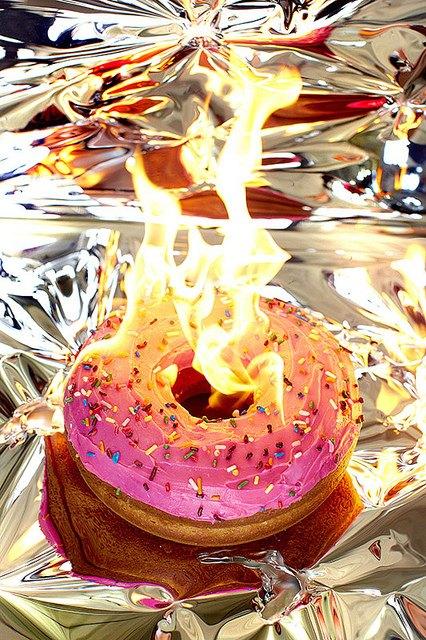 Фотограф изобразил процесс сжигания калорий буквально. Изображение № 7.