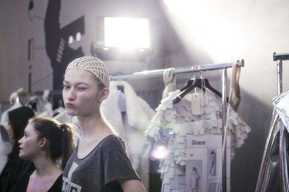 Paris Fashion Week FW 14:  Бэкстейдж показа  Gareth Pugh. Изображение № 10.