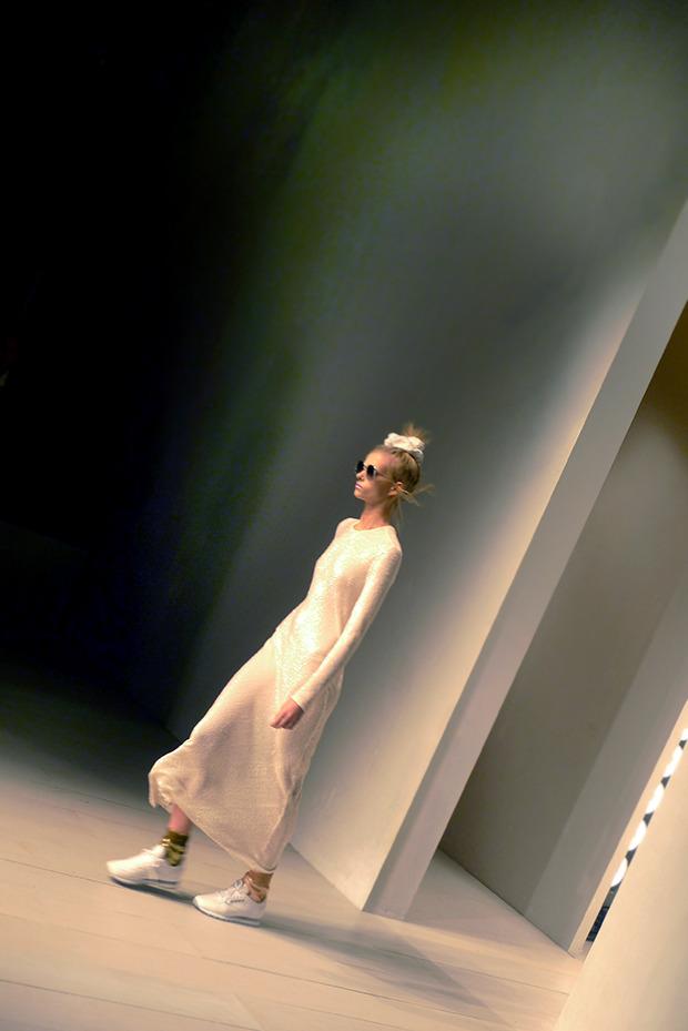 Дневник стилиста: Тесс Йопп о 3D-граффити, резиновых платьях и надувном динозавре. Изображение № 49.