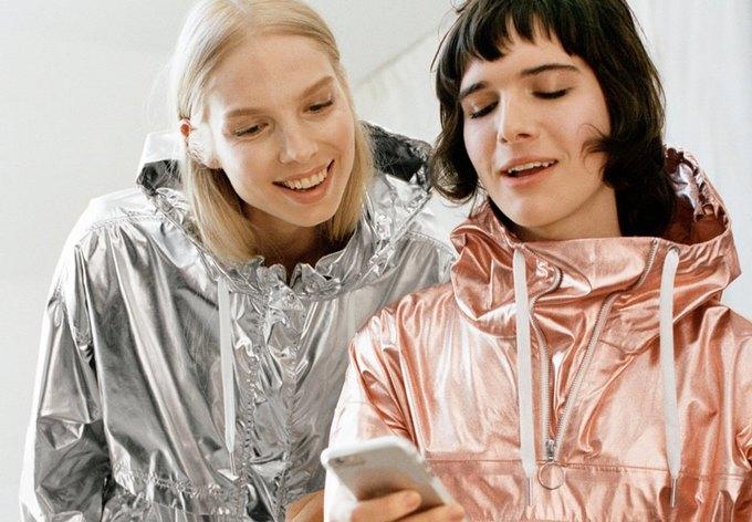 Трансгендеры Хари Неф  и Валентейн де Хинг  в кампании & Other Stories. Изображение № 11.