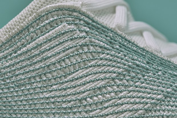 Кроссовки adidas x Parley  из переработанного мусора  со дна океана . Изображение № 3.