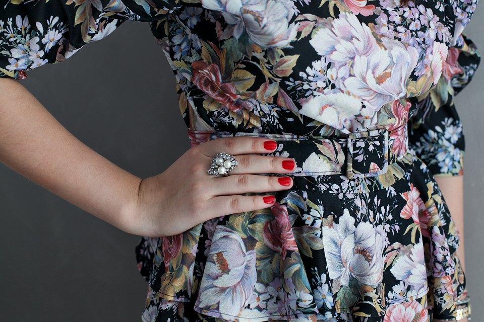 Гардероб: Катя Бутко, блогер и создатель  винтажного магазина. Изображение № 37.
