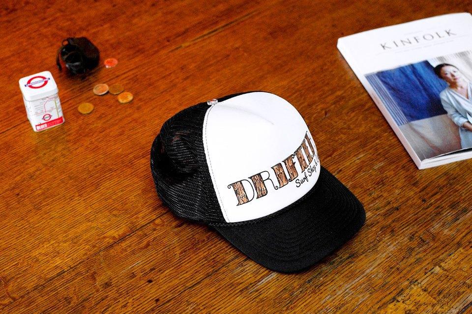 Любимая кепка из не менее любимого одноименного серф-шопа на Бали. Изображение № 18.