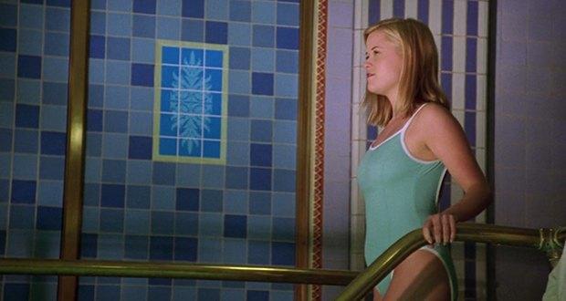 Культовая мелодрама «Жестокие игры»: Гид по стилю 90-х. Изображение № 29.