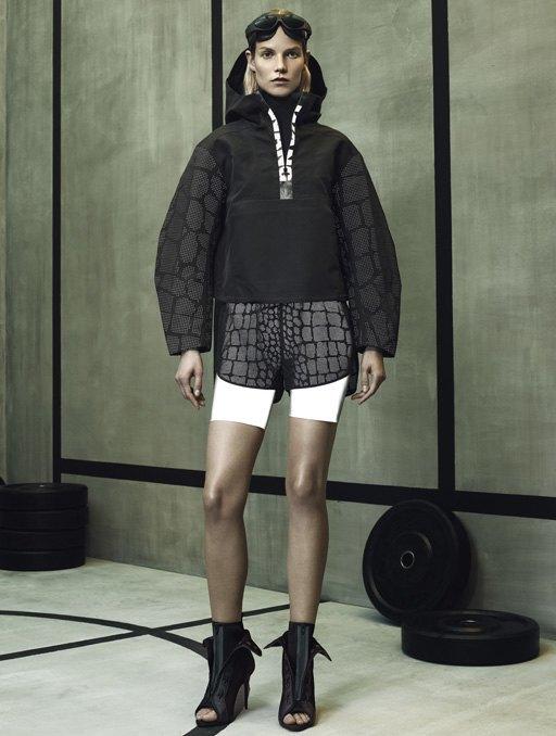 Торжество спорта  в лукбуке Alexander Wang x H&M. Изображение № 5.