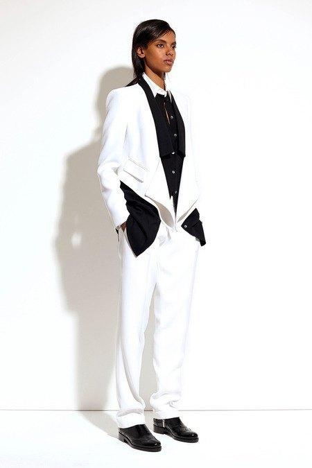Пальто и костюмы в лукбуке новой коллекции Michael Kors. Изображение № 6.