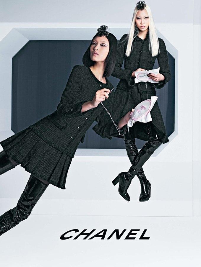 Chanel выпустила футуристическую кампанию. Изображение № 2.