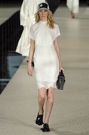London Fashion Week: Topshop Unique, Acne и Marios Shwab. Изображение № 21.