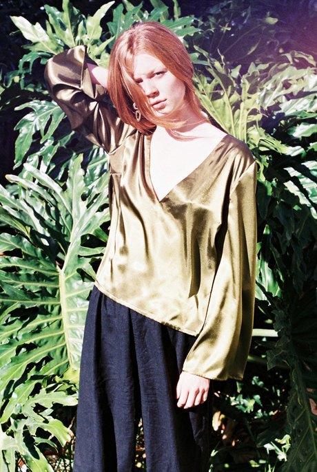 Австралийская марка Oats: Шёлковые блузы и платья  в стиле 70-х. Изображение № 4.
