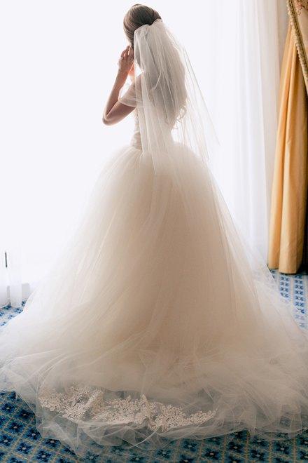Это по любви:  Девушки о своих свадебных платьях. Изображение № 4.