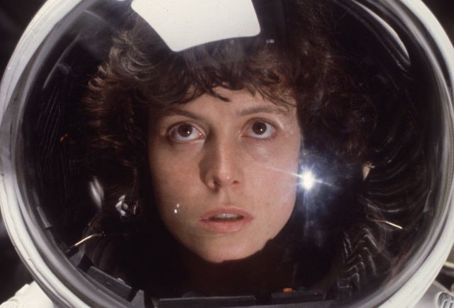 Фантастические женщины в космосе. Изображение № 1.